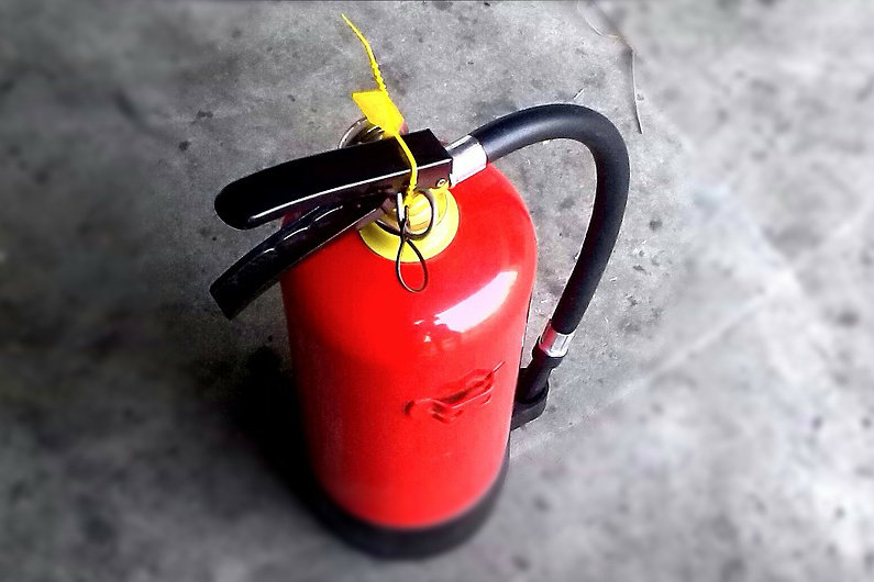 Fire extinguisher for fire safety