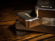 The Business Benefits of Investing in Silver