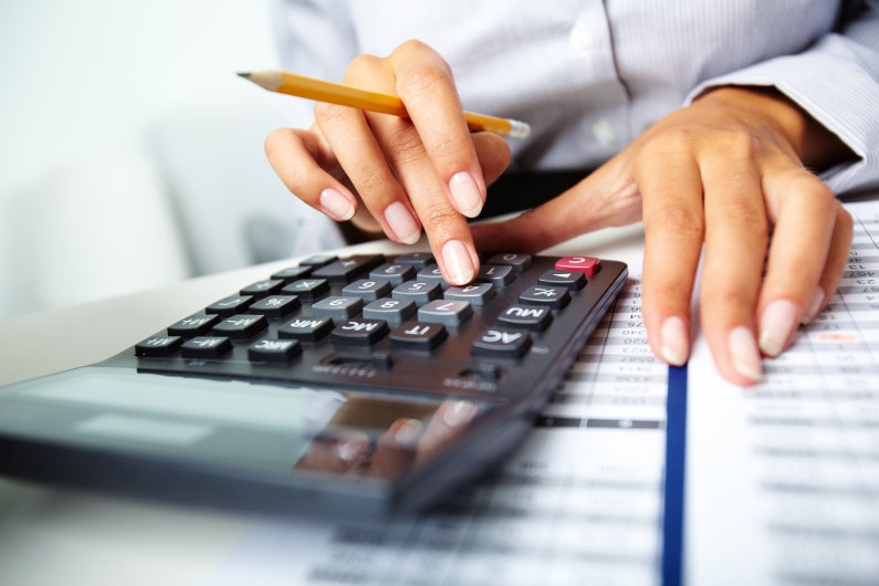 Money management by setting up a financial plan
