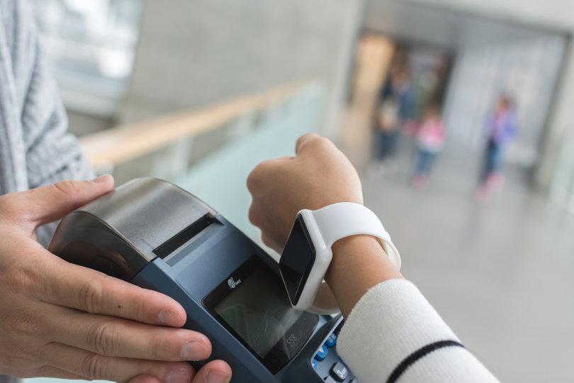 Paying using smart watch
