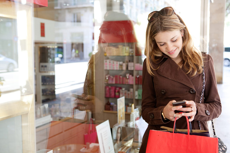 Retail shopper searching online