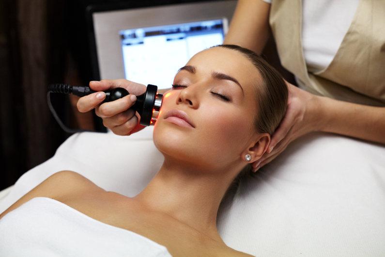 Skin treatment in a beauty spa