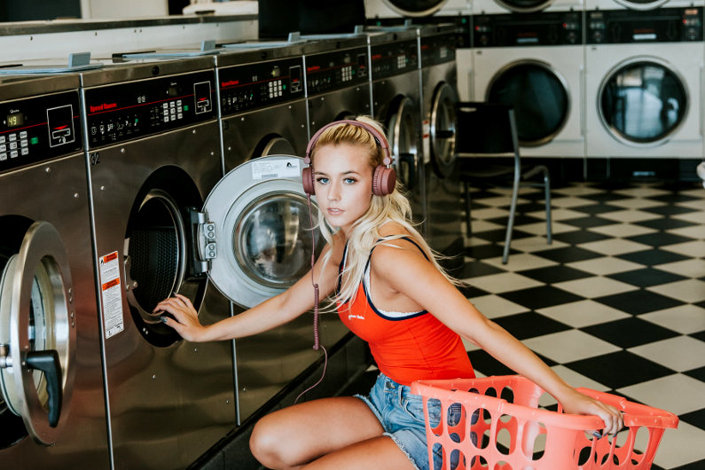 Automatic laundry business